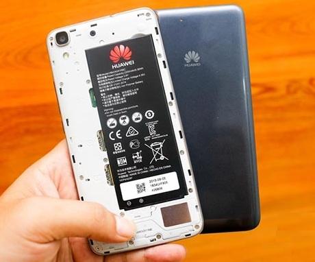 Cách sạc pin điện thoại Huawei đúng cách