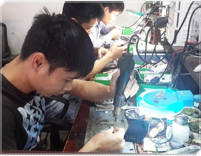Thợ sửa chữa điện thoại sony cực giỏi sửa nhanh